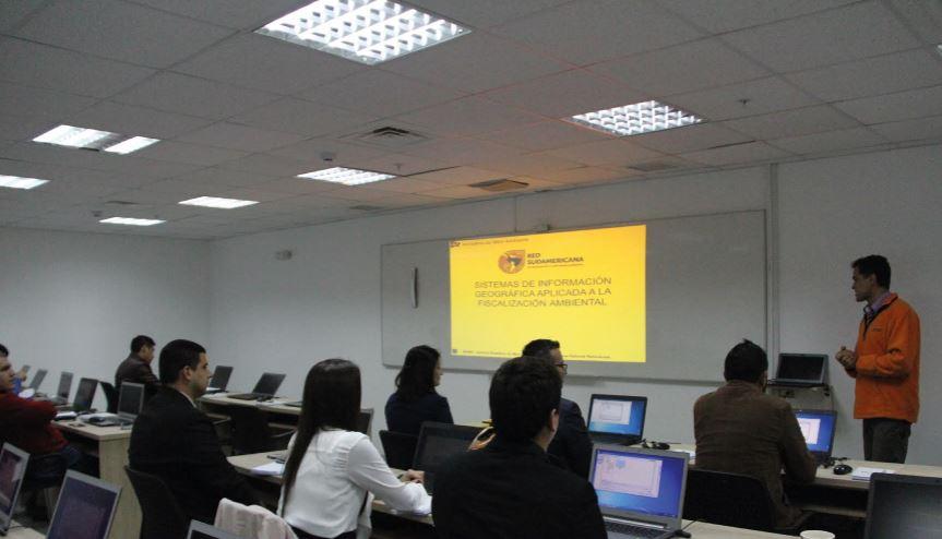 """Curso internacional """"Sistemas de Información Geográfica Aplicada a la Fiscalización Ambiental"""""""