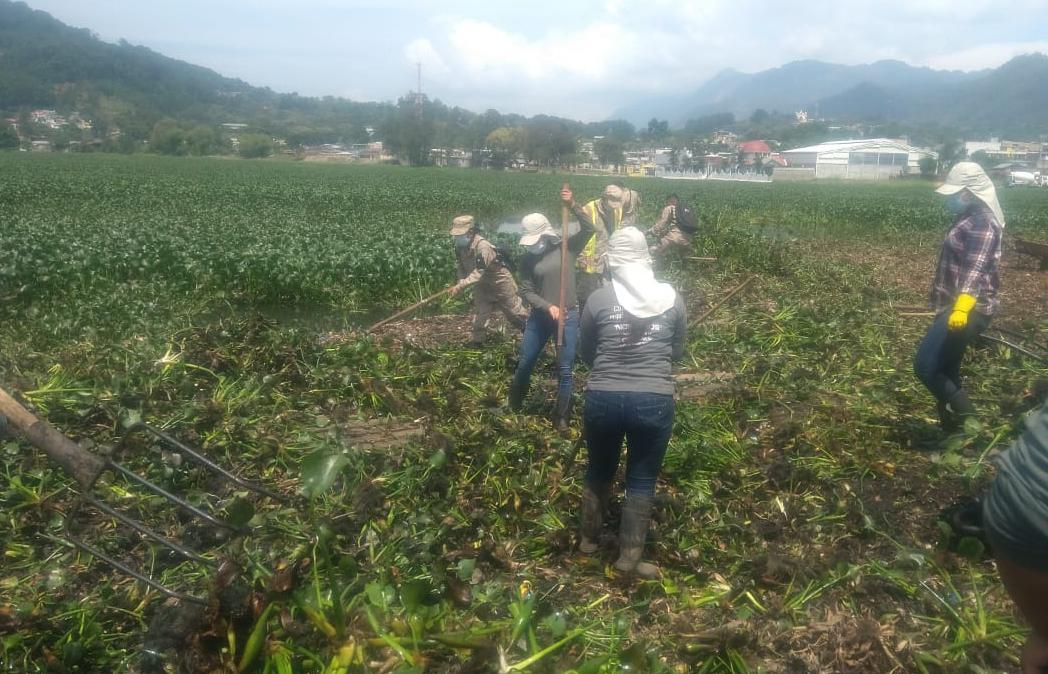 Trabajo interinstitucional para proteger la Laguna Chichoj no se detiene