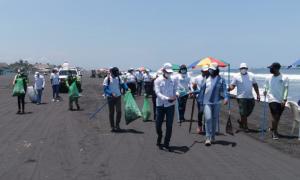 MARN recolecta 65 toneladas de desechos con el programa Playas Limpias